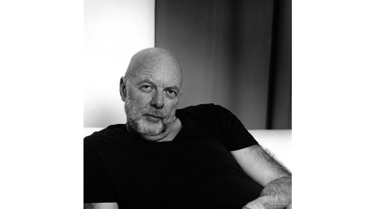 Im Studio und Garten: Singer-Songwriter Rick Baltes (rickbaltes.de)